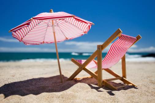 Canary Islands「Parasol and deck chair on beach (scale models)」:スマホ壁紙(12)