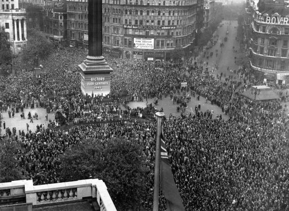 World War II「VE Day Celebrations」:写真・画像(11)[壁紙.com]