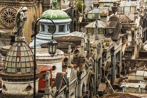 Buenos Aires「Statue of angel looking over Recoleta Cemetery」:スマホ壁紙(1)