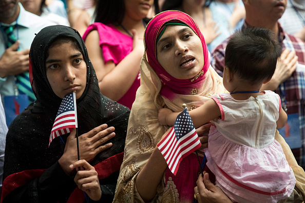 Human Interest「Immigrants From Over 50 Countries Become U.S. Citizens At The New York Public Library」:写真・画像(7)[壁紙.com]