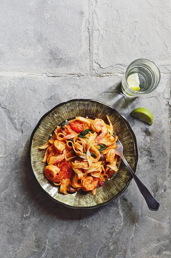 Prawn - Seafood「Linguine with tomato sauce and prawns」:スマホ壁紙(17)