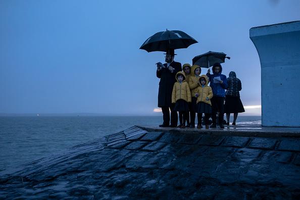 Celebration Event「Tashlich is Observed By Canvey Island's Jewish Community」:写真・画像(1)[壁紙.com]