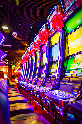 Luck「Slot machines in Casino」:スマホ壁紙(17)