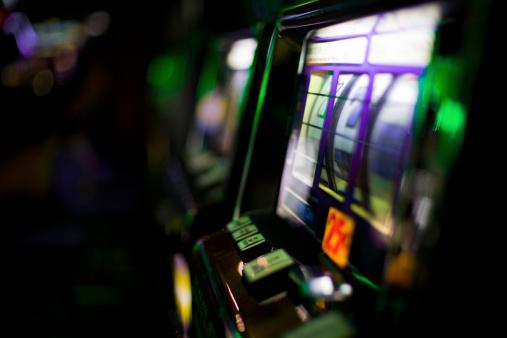 Leisure Games「Slot Machines」:スマホ壁紙(1)