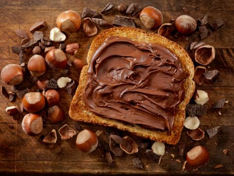 Sweet Food「Chocolate Hazelnut Spread on Toast」:スマホ壁紙(13)
