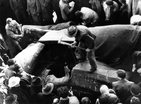 Bust - Sculpture「Stalin Destroyed」:写真・画像(10)[壁紙.com]