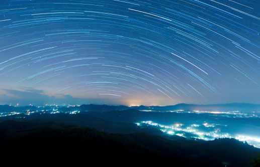 Multiple Exposure「Starry night above beautiful misty mountain」:スマホ壁紙(19)