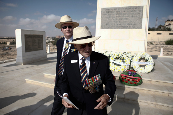 Manufactured Object「Veterans Mark 70th Anniversary Of Second Battle Of El Alamein」:写真・画像(3)[壁紙.com]