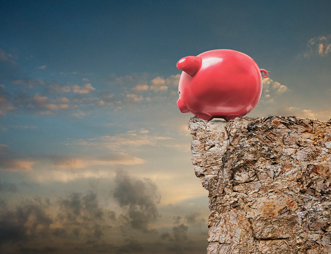 Digital Composite「Piggy Bank Looking Over Cliff」:スマホ壁紙(1)