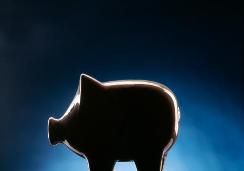 Happiness「Piggy bank on dark blue black background」:スマホ壁紙(1)