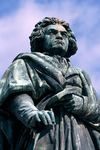 Male Likeness「Beethoven statue in Bonn」:スマホ壁紙(15)