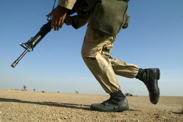 Joe Raedle「U.S. Marines Train In Kuwait」:写真・画像(14)[壁紙.com]