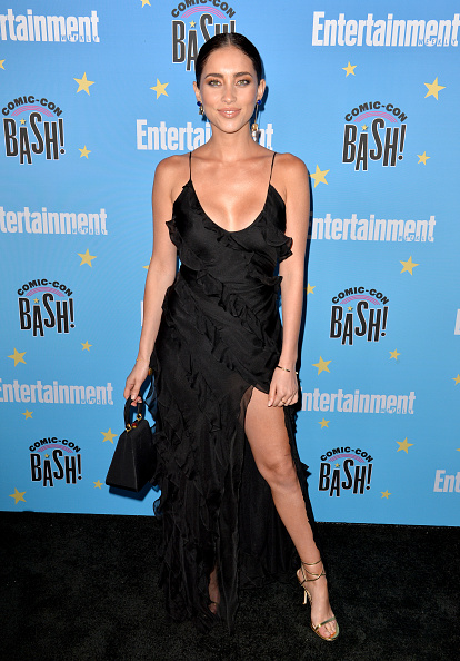 Maxi Dress「Entertainment Weekly Comic-Con Celebration - Arrivals」:写真・画像(9)[壁紙.com]