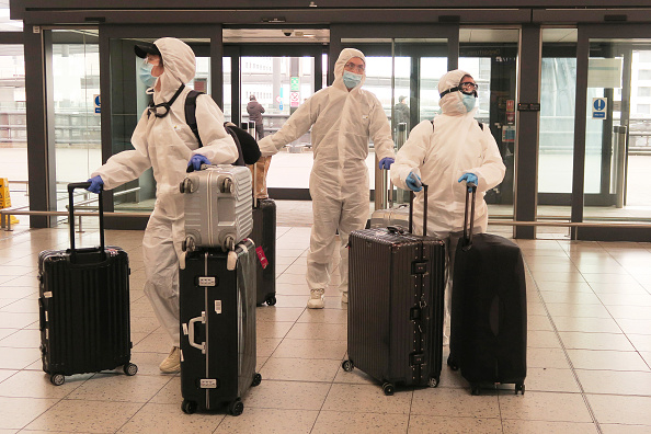 Airport「Airlines Cancel Flights As Governments Restrict Travel Due To Coronavirus」:写真・画像(6)[壁紙.com]