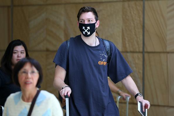 Sydney「Passengers Arrive In Sydney After Chinese Authorities Shut Down Transport Networks Over Coronavirus」:写真・画像(18)[壁紙.com]