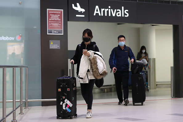 Airport「Guangzhou Flight Arrives In Perth As Australia Issues Entry Restrictions On Foreign Nationals」:写真・画像(3)[壁紙.com]