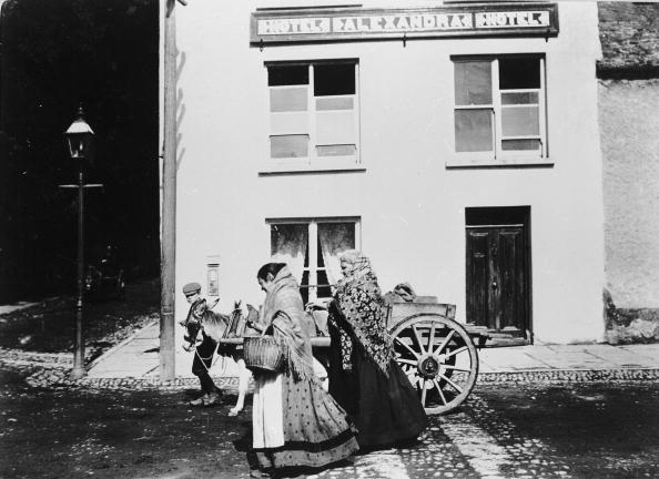 1880-1889「Killarney Peasants」:写真・画像(0)[壁紙.com]