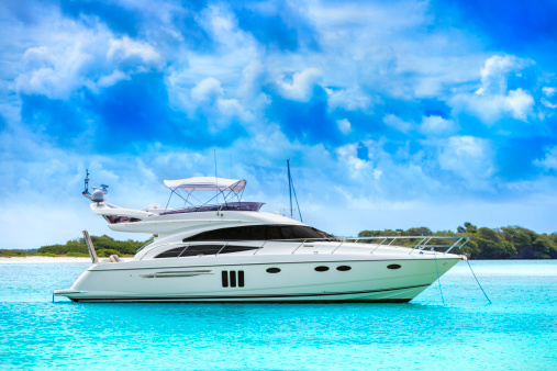 Recreational Boat「White yacht in the middle of the water」:スマホ壁紙(6)