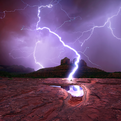 Sedona「Lightning over Slick Rock Cliff, Sedona, Arizona, America, USA」:スマホ壁紙(4)