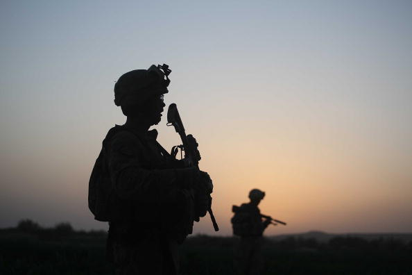 War「U.S. Marines Continue Suppression Of Insurgents」:写真・画像(7)[壁紙.com]