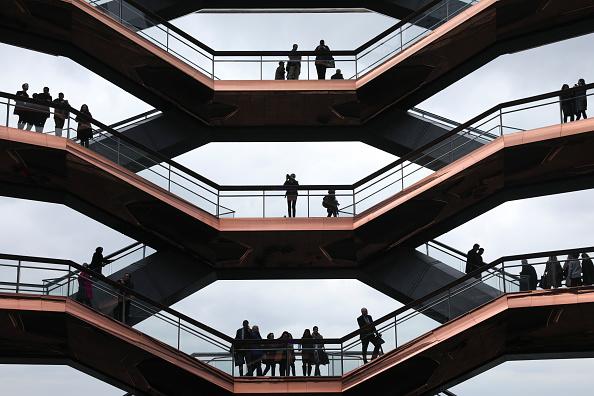 Drew Angerer「New Hudson Yards Neighborhood Officially Opens In Manhattan」:写真・画像(2)[壁紙.com]