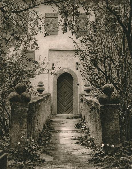 Doorway「Rothenburg o. d. T. - Toppler Castle gate, 1931」:写真・画像(17)[壁紙.com]