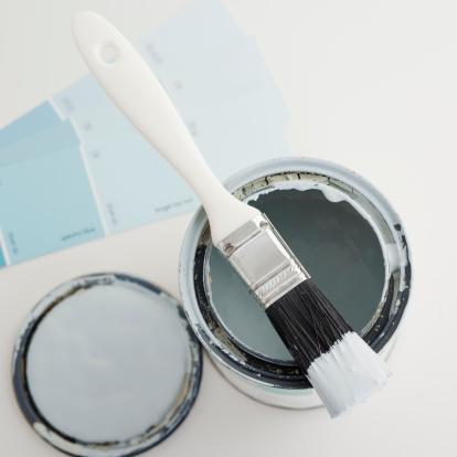 日曜大工「Can of open paint with brush and color samples」:スマホ壁紙(15)