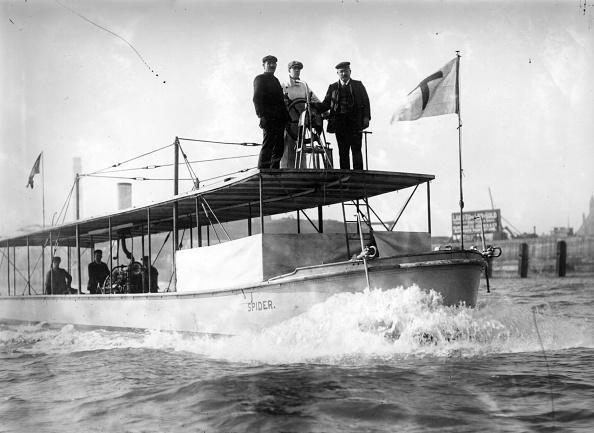 Shallow「Early Motor Boat」:写真・画像(4)[壁紙.com]
