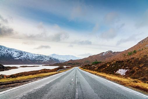 Midsection「Isle of Skye Highway Loch Cluanie Highlands Scotland」:スマホ壁紙(15)