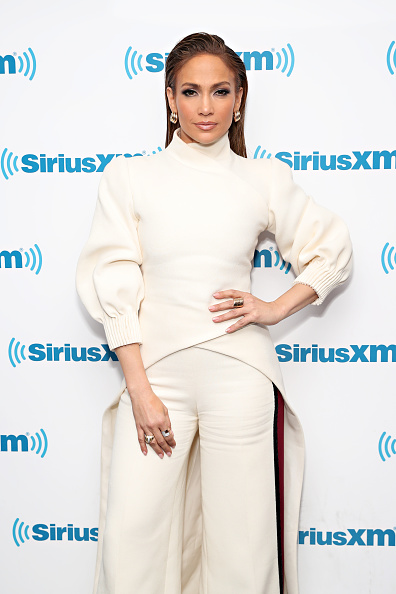 White Color「SiriusXM's Town Hall With The Cast Of 'Second Act' Hosted By Andy Cohen」:写真・画像(6)[壁紙.com]
