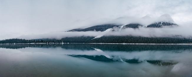 Yoho National Park「Natural Landscape - Emerald Lake - Yoho National Park - British Columbia」:スマホ壁紙(8)