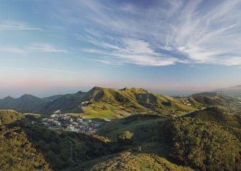 Atlantic Islands「Green hills, forest, village and blue sky」:スマホ壁紙(18)