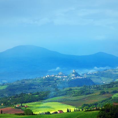 Monte Amiata「Green hills of Tuscany」:スマホ壁紙(18)