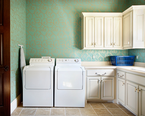 Archival「Laundry Room with White Cabinets」:スマホ壁紙(5)