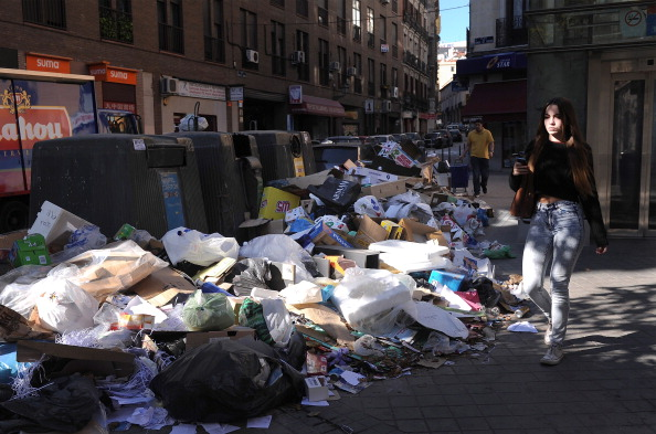 Heap「Rubbish Strike Continues To Bite In Madrid」:写真・画像(4)[壁紙.com]