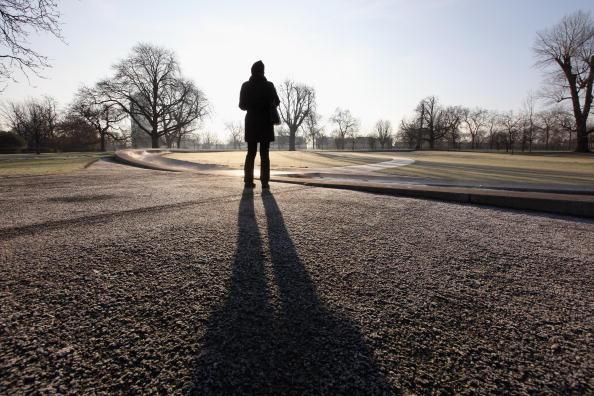 歩く「Freezing Temperatures Continue To Grip The Country」:写真・画像(13)[壁紙.com]