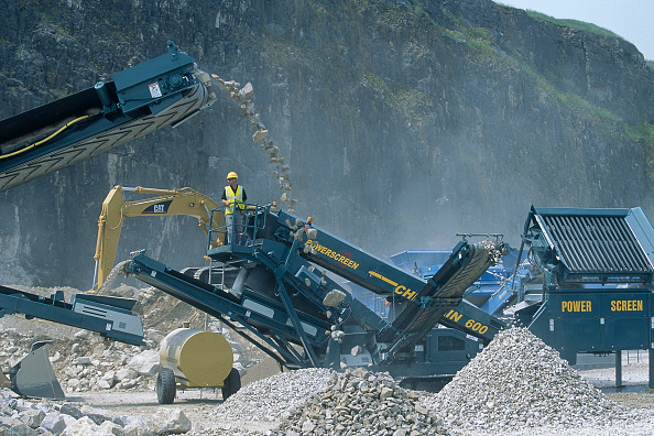 2002「Powerscreen Chieftain 600 aggregate screen on site.」:写真・画像(5)[壁紙.com]