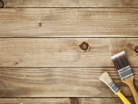 Lumber Industry「Directly above view of a wooden table and paint brushes」:スマホ壁紙(18)