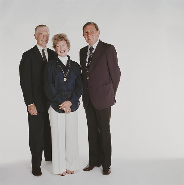Kelly public「Kenneth Wolstenholme, Barbara Kelly And John Freeman」:写真・画像(4)[壁紙.com]