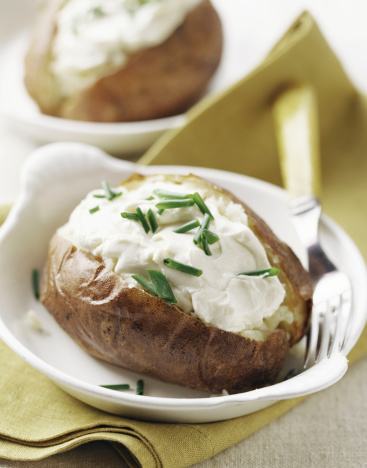 Sour Cream「Baked potato with sour cream and chives」:スマホ壁紙(10)