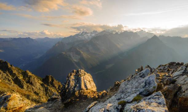 Summit sunset in the Swiss alps:スマホ壁紙(壁紙.com)