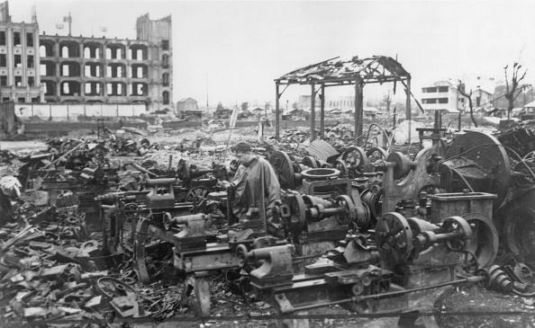 Tokyo - Japan「Home Factory Destroyed」:写真・画像(6)[壁紙.com]