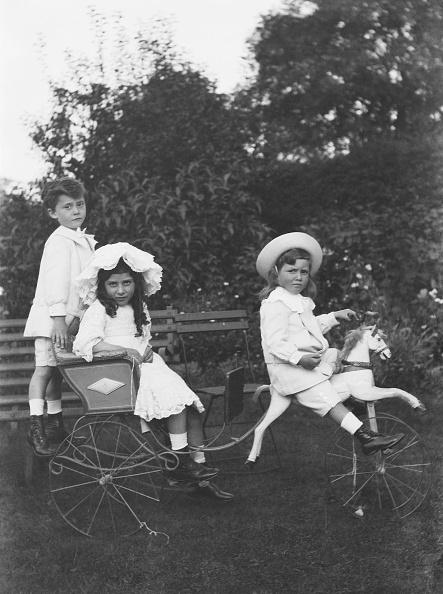 1900「Children On Perambulator Horse」:写真・画像(18)[壁紙.com]