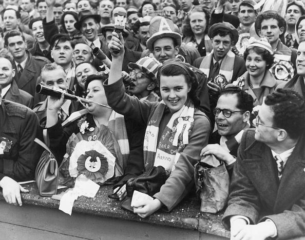 Women's Soccer「Arsenal Cup Final Fans」:写真・画像(8)[壁紙.com]