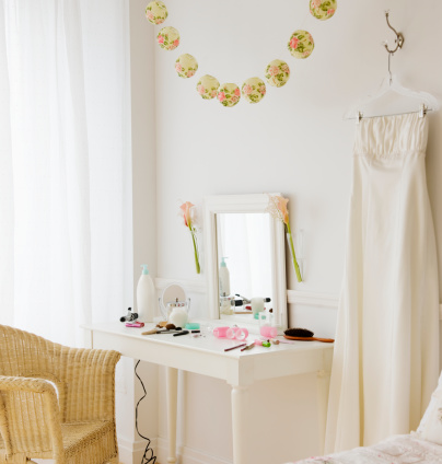 Dressing Table「Bride's room before the wedding 」:スマホ壁紙(1)