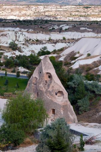 Fairy「Unusual volcanic landscape in Cappadocia, Turkey」:スマホ壁紙(14)