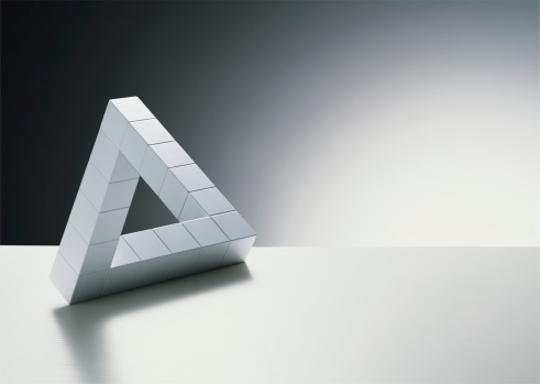 Leisure Games「Cubes forming triangle」:スマホ壁紙(3)