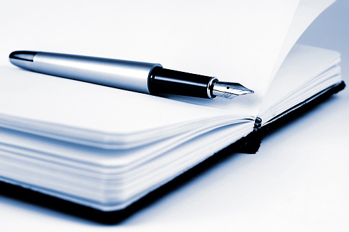 Advice「Pen on the notebook」:スマホ壁紙(18)