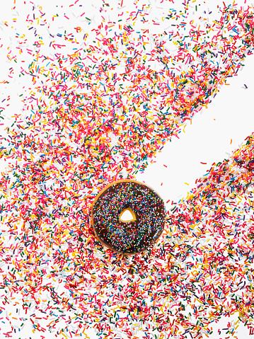 Doughnut「Donut and sprinkles」:スマホ壁紙(15)