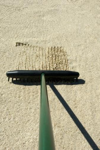 Sand Trap「Rake in sand trap, close-up」:スマホ壁紙(1)